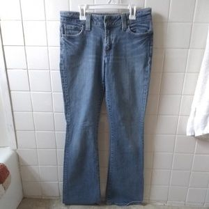 I am selling these GAP jeans